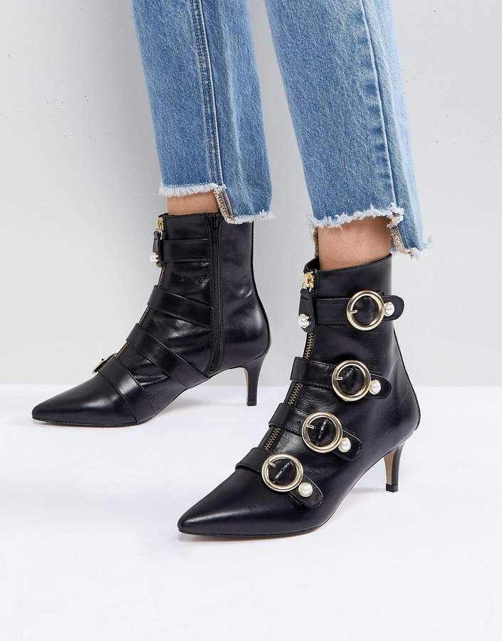In Living Color From Cropped Hoodies To Relaxed Bottoms The Way To Nail The Look Is Throwing On Sneakers Boo Boots Kitten Heel Ankle Boots Kitten Heel Boots