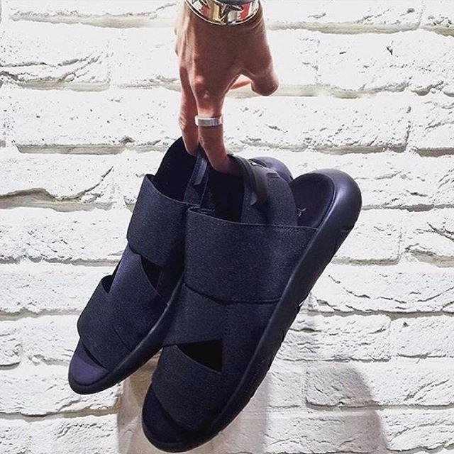 Adımlarını yaza hazırla!  Y-3 • Qasa Sandals  shopigo.com  Get ready for your summer steps! Y-3 Qasa Sandals are available online at shopigo.com.  #shopigo #shopigono17 #adidasy3 #qasasandal #mensshoes #adidas #yohjiyamamoto #menssandals #sandals #mensstyle #mensfashion #footwear #onlineshopping #buyonline