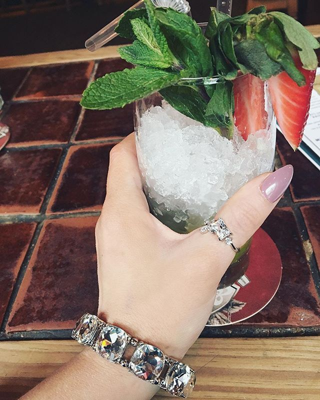 After three snow days it's time for a bottomless lunch with the girls  Bracelet available online (link in bio)  #cocktails #jewelry #brunch #beefandlobster #laveesha