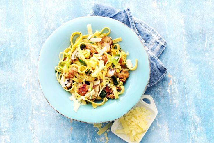 Weinig tijd om te koken? Dit lekkere pastarecept draai je in een kwartier in elkaar - Recept - Allerhande