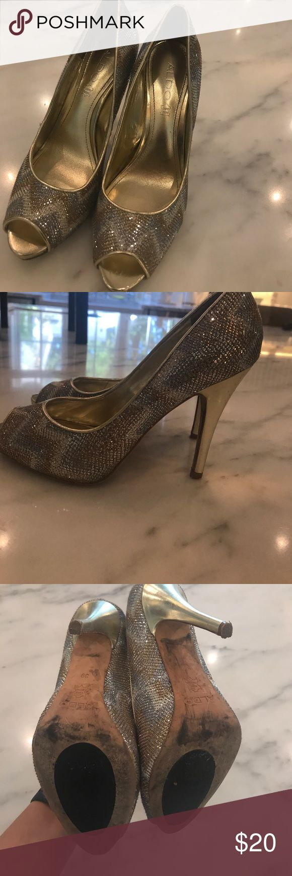 ALDO Heels EUC silver gold and white glitter chevron print Aldo Shoes Heels