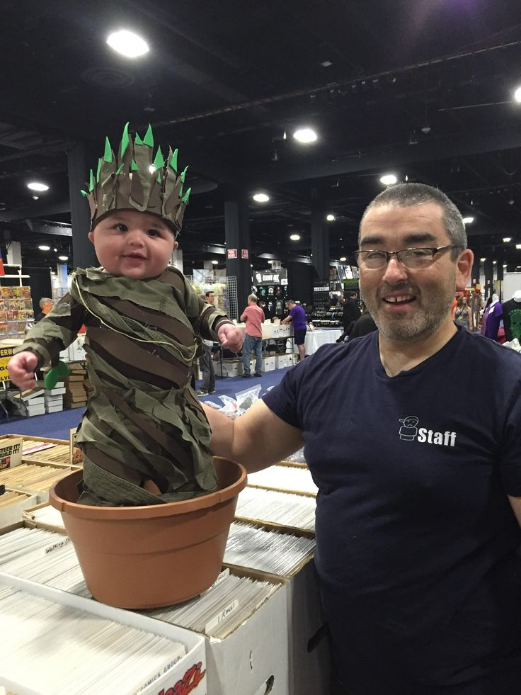 Baby Groot Cosplay At Boston Comic Con http://ibeebz.com