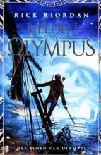 Het bloed van Olympus - Helden van Olympus, deel 5 | Pluizuit