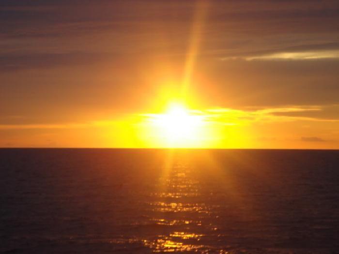 Puesta de #sol en #Ibiza  http://www.thefunplan.com/viajes-a-Ibiza/9-23-2/
