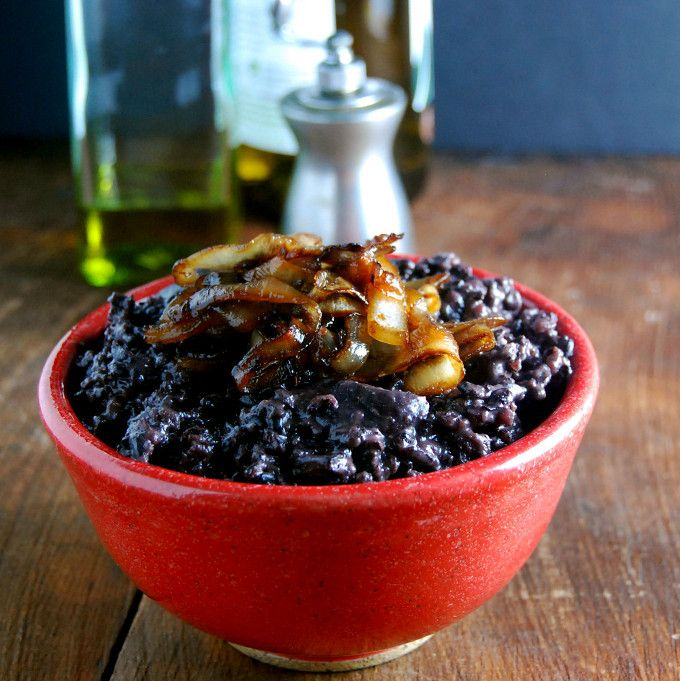 Black Rice Risotto with Mushrooms and Caramelized Onions | http://holycowvegan.net/2014/04/black-rice-risotto.html
