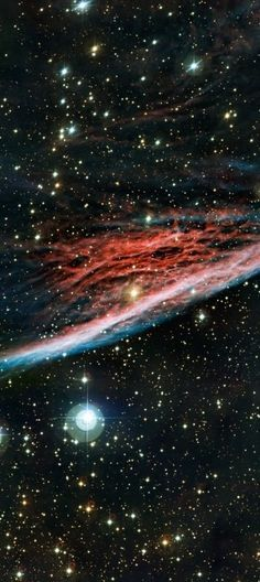 #PencilNebula   This shock wave plows through space at over 500,000 kilometers per hour. Moving toward to bottom of this beautifully detailed color composite, the thin, braided filaments are actually long ripples in a sheet of glowing gas seen almost edge on. About 5 light-years long and a mere 800 light-years away, the Pencil Nebula is only a small part of the #VelaSupernovaRemnant.