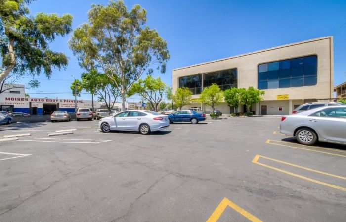 2-parking-free-office-retail-space-lease-rent-canoga-park copy