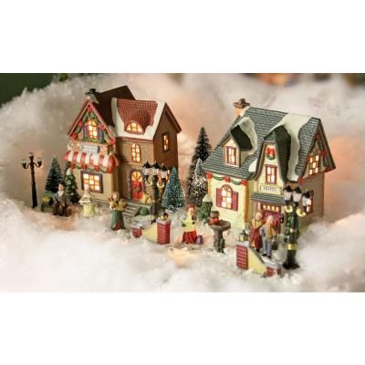 181 best Christmas Villages (Obsessive Hobby) images on Pinterest ...