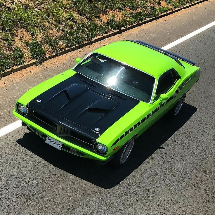 Sweet Plymouth Cuda spotted on Saturday close to Krugersdorp area while on a party bus