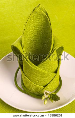 napkin fold: pretty green. Is it chartreuse?