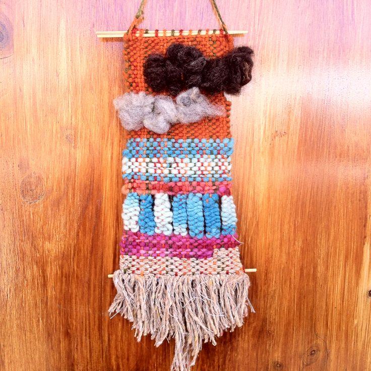 Telar decorativo - 100% lana de Chiloe y La Ligua, madera de Quilpue.lana sin trabajar!!!