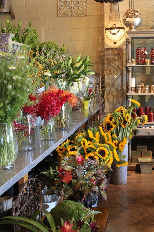 Zsazsa bellagio oh to have a flower shop 39 flower for Designs east florist interior