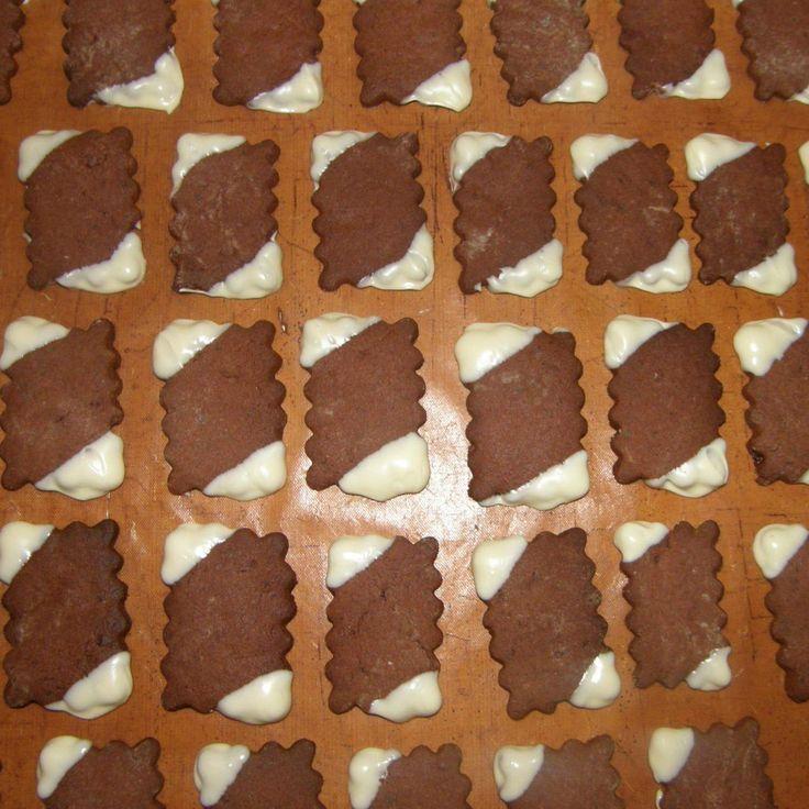 Rezept Plätzchen mit After Eight (m. orig.) von matschi74 - Rezept der Kategorie Backen süß