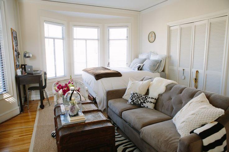 https://i.pinimg.com/736x/da/32/78/da327854a203ebb2db950eea4843080e--studio-apartment-layout-studio-apartment-decorating.jpg
