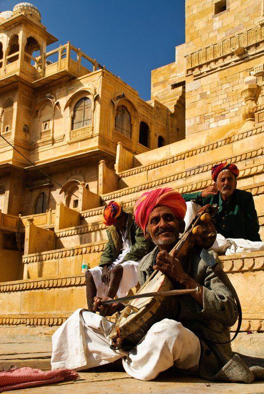 Musiciens à l'entrée du Fort de Jaisalmer en Inde.