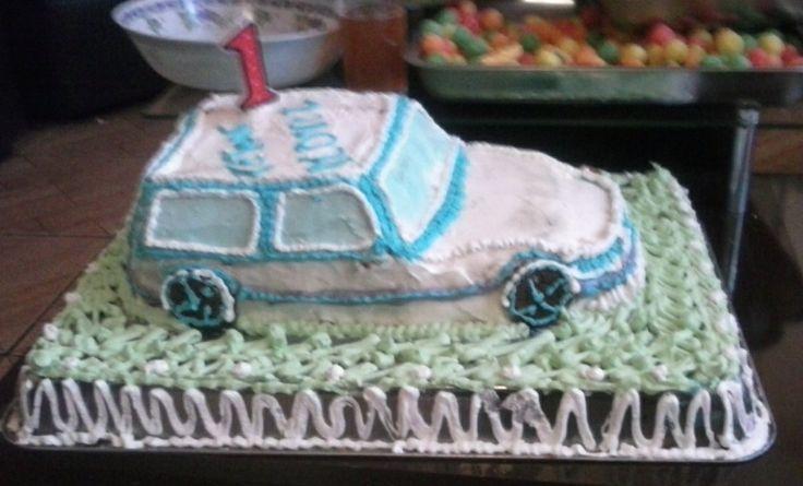 Torta cacera , automovil , primer año