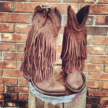 Fringe Stivali Ragazza Del Sud - Brown Our Price: $349.99 Product Code: LB-71124-BROWN  https://www.southernfriedchics.com/frindge_stivali_ragazza_del_sud_brown_p/lb-71124-brown.htm