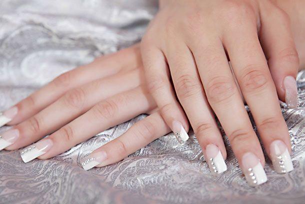Ακρυλικά νύχια: Σωστή εφαρμογή για αρχάριες | Beauté την Κυριακή