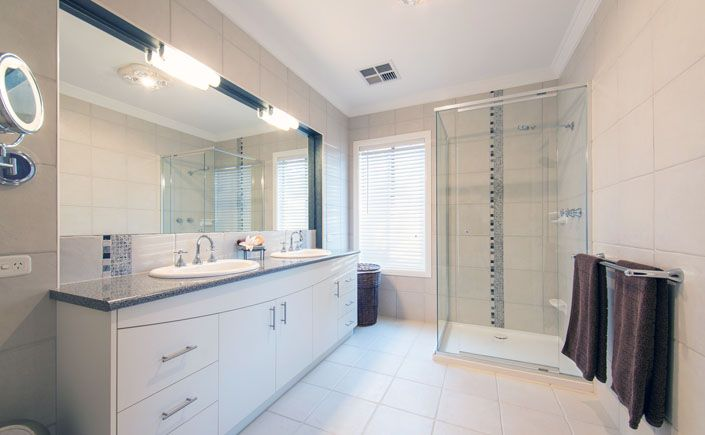 Stunning Fully Tiled En-suite, | Lifestyle Property For Sale | Beechworth Vic, Australia
