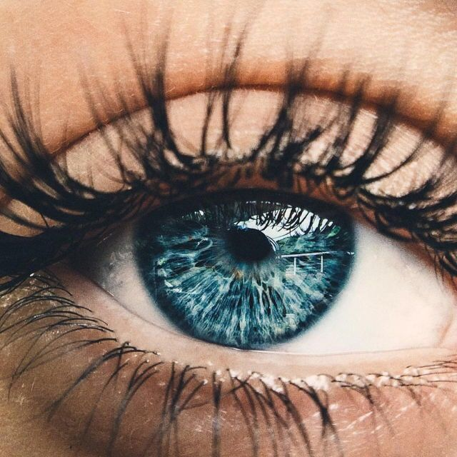 Today I was looking into my eyes and admired to them. I admire to God how perfect He made them 😍