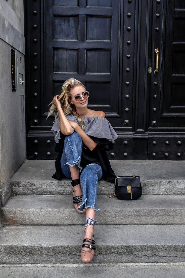 Cropped Jeans mit ausgefranstem Saum sind besonders trendy