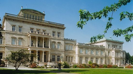 Villa Hügel. Mehr auf: http://www.coolibri.de/staedte/essen/museen/villa-huegel.html