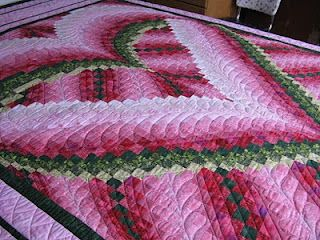heart bargello w/ combo feathers & straight line quilting