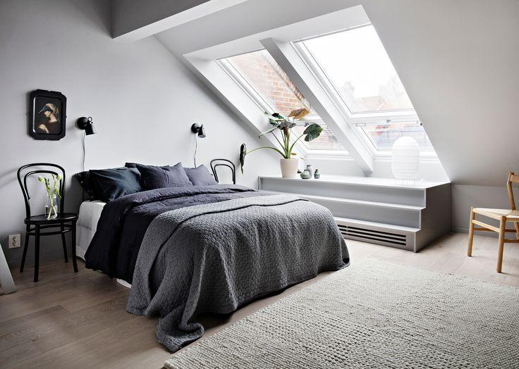 Master bedroom i vindslägenhet, takbalkong
