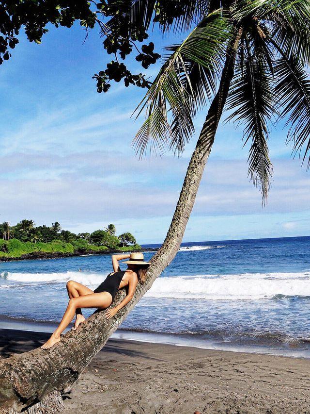 A QUICK GUIDE TO MAUI (a pair & a spare)   Fotografia de poses na praia, Ideias fotografia, Fotos divertidas na praia