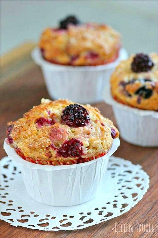 Mixed Berry and Greek Yogurt Muffins