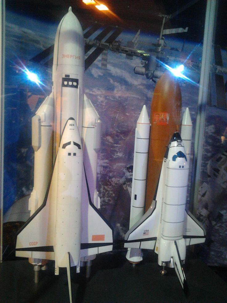 Gateway to space. Porovnání modelů amerického raketoplánu Space shuttle a ruského kosmoplánu Buran