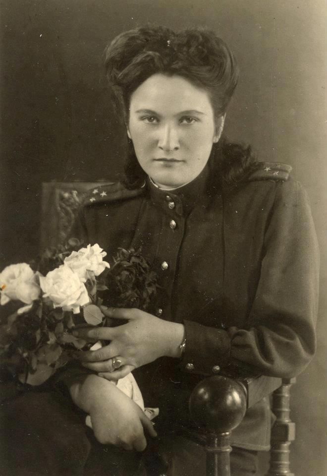 Ezetkhan Khabeste (Berlin, 1945) Moscow - Stalingrad - Berlin