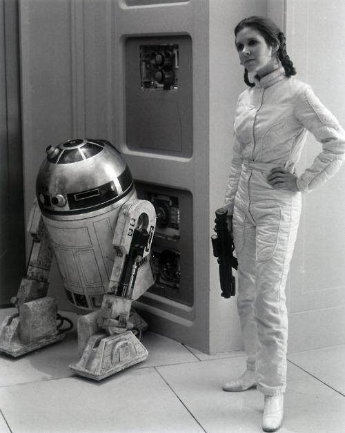 Another Princess Leah pin for my Star Wars board. Great Image  Leia & R2