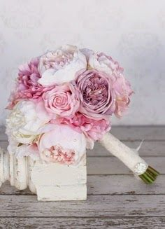 BeyazBegonvil: Düğün Dönemi I Gelin Çiçeği Seçimi