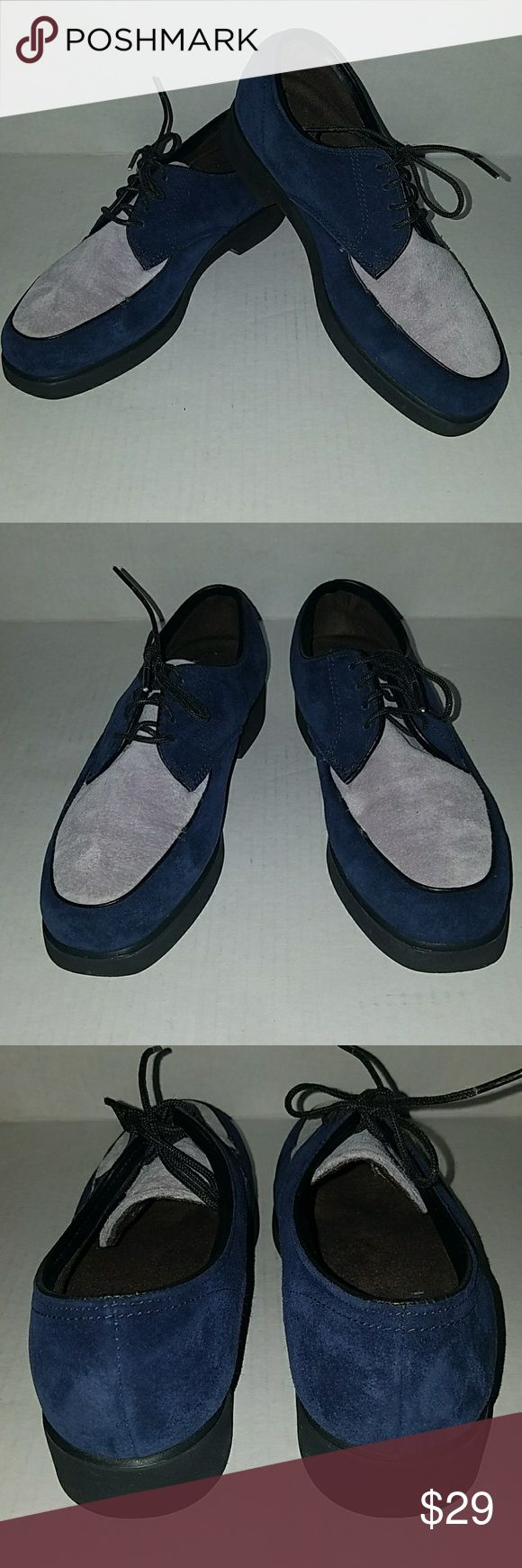 Hush Puppy suede two-tone Oxford shoes Sz 7 women Excellent used condition, suede with waxed cotton laces. Cushioned and very comfortable Hush Puppies Shoes Flats & Loafers