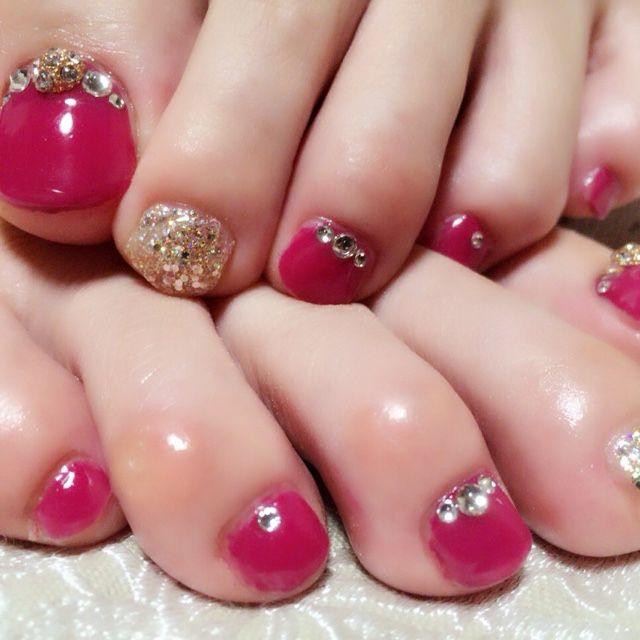 2016年春夏もフットネイルデザインは色っぽい赤で決まり! | 美人部