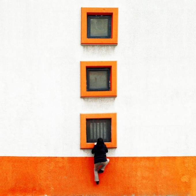 A metro station in Zeytinburnu district. Photography © by Yener Torun. Click above to see larger image.
