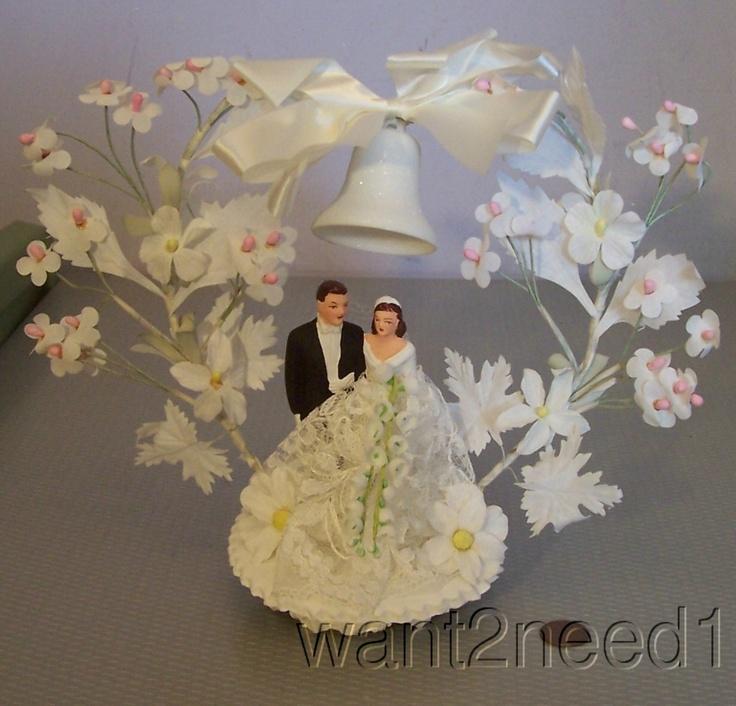 50s vtg WEDDING CAKE TOP TOPPER Chalkware Bride & Groom ELABORATE SILK FLOWERS