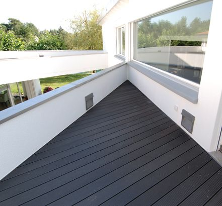Love the black decking against the white walls