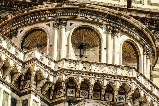 La grande bellezza #florence #renaissance #architcture #stockphoto #royaltyfree https://www.vpuzzler.com/pl/photo/elements-architecture-of-cathedral-in-florence-P96379/