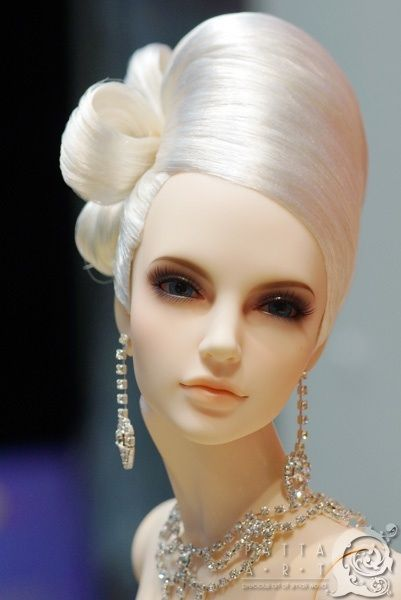 Art doll (absolutely gorgeous)