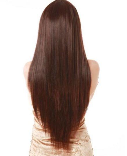 Cheveux longs raides avec coupe en V