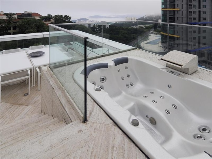 Roof top jaccuzi definitely an extraordinary dream home for Dream roof