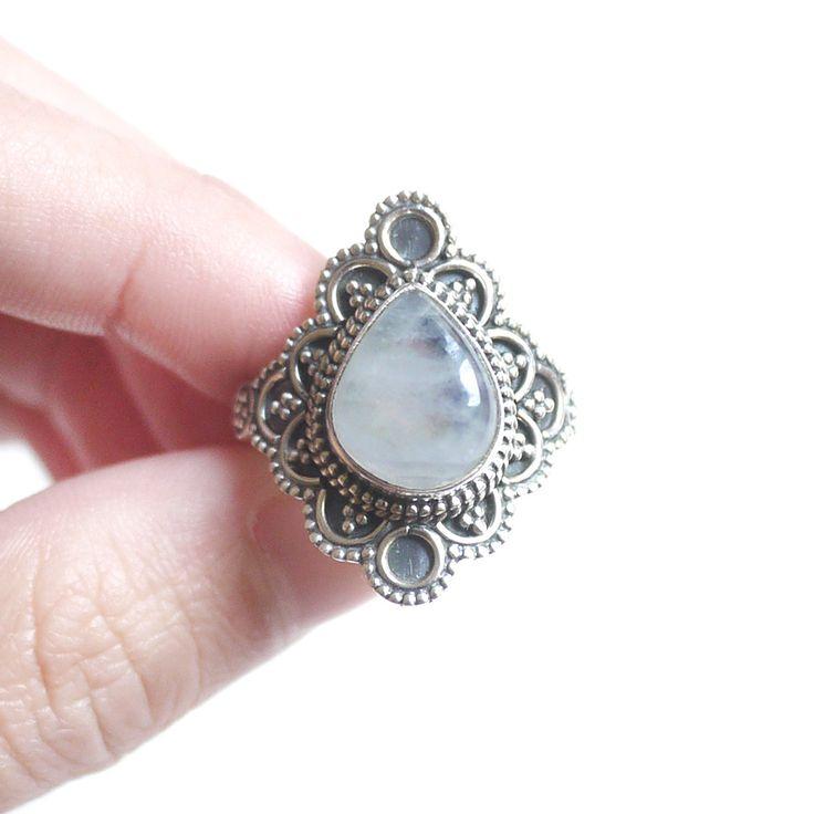 Rainbow Flower B - Rainbow Moonstone 925 sterling silver ring