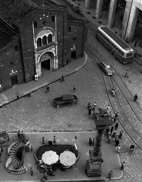 Milan. photo by Mario de Biasi