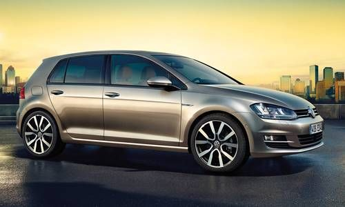 #Volkswagen #Golf. La compacte la plus célèbre du monde doit son succès à l'agrément de sa conduite, sa technologie de pointe et son élégance racée.