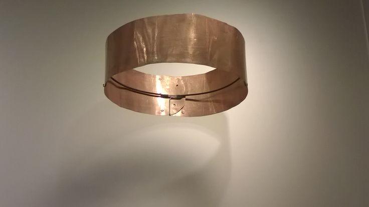 La alta maleabilidad del oro hace posible fabricar láminas delgadas y flexibles para elaborar objetos de formas, tamaños y calibres variados.