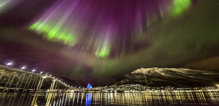 The Northern lights over Troms in North Norway - Foto: Ole C. Salomonsen/arcticlightphoto.no – visitnorway.com