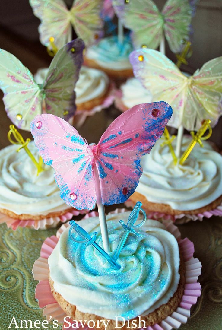 Amee's Savory Dish: Pirate Fairy Cupcakes…..and my Favorite Buttercream Frosting Recipe