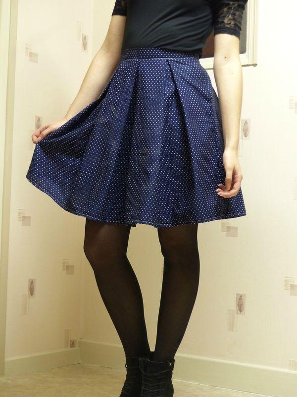 Tenue de fête : jupe à plis